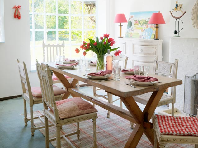 Fresh ideas for dining room for Relaxed dining room ideas