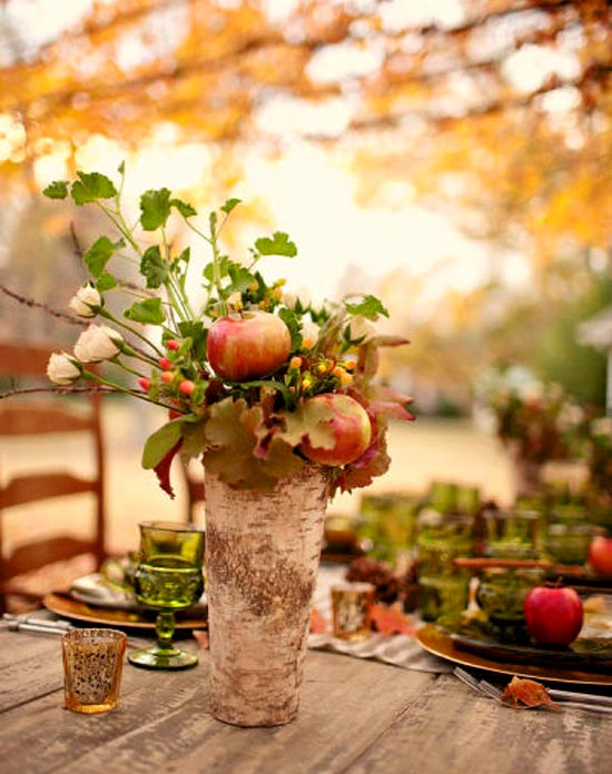 Decoration with colorful apples click to enlarge image mississippi fall outdoor wedding decor apples junglespirit