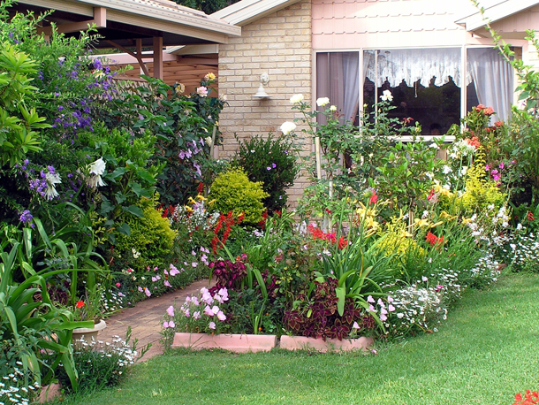Small front yard landscaping idea how to for Amenager jardin 40m2